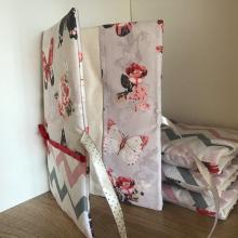 Текстилна подвързия за книга с десен с пеперуди и зиг заг