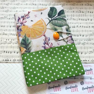 Подвързия за книга с испански плат с десен с портокали и зелено на точки
