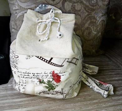 Дамска раница с десен с рози