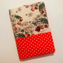 Подвързия за книга с череши и червено на точки
