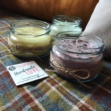 Комплект от три големи соеви свещи с различни аромати