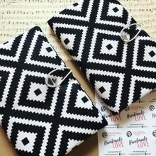 Текстилна ръчно изработена подвързия за книга в бяло и черно Орнаменти