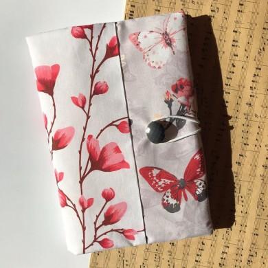 Ръчно изработена текстилна подвързия за книга с Пеперуди и пролетни пъпки