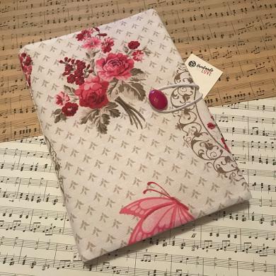Ръчно изработена дреха за книга с розички