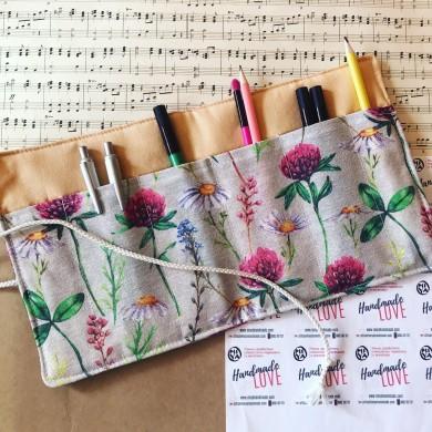Ръчно изработен текстилен органайзер за моливи или четки Билки