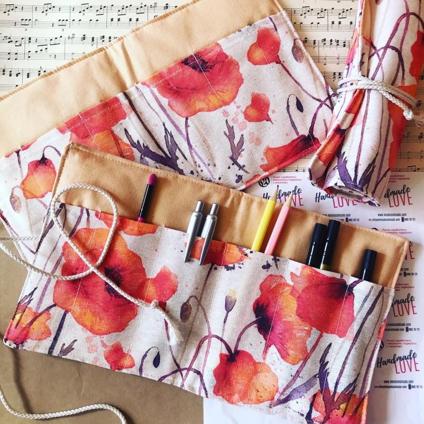 Текстилен органайзер за четки за грим или химикали Макове