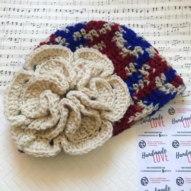 Вълнена дамска плетена зимна шапка Цвете