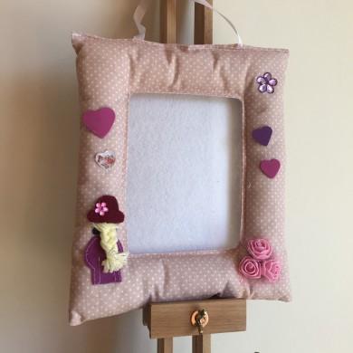 Текстилна рамка за снимка 10 на 15см. за момиченце