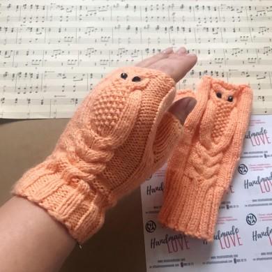Плетени ръкавици без пръсти Бухалче в прасковено
