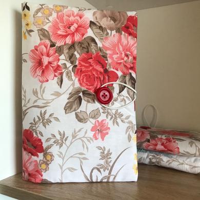 Текстилна подвързия за книга с червени рози