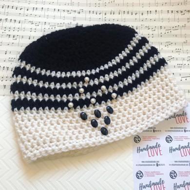 Дамска шапка Черно и бяло
