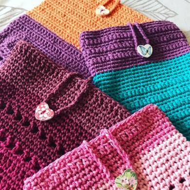 Ръчно изработени плетени калъфи за книга