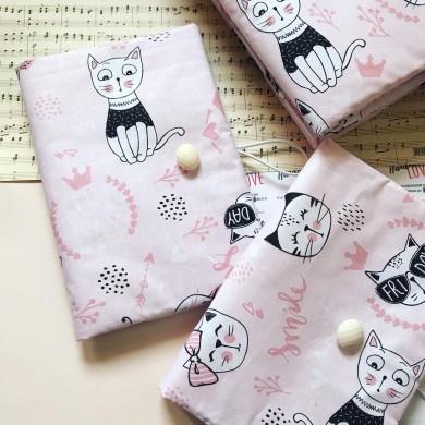 Ръчно изработена дреха за книга в розово с котки