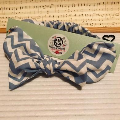 Регулируема лента за коса в светло синьо и бяло