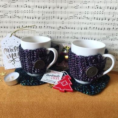 Подаръчна кутия Бронз с две чаши с дрешки с две плетени подложки и украси