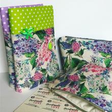 Комплект ръчно изработена подвързия за книга с панделка и несесер Люляк