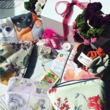 Подаръчна кутия MIYABOX с несесер, комплект 3 скрънчи ластика и подаръци