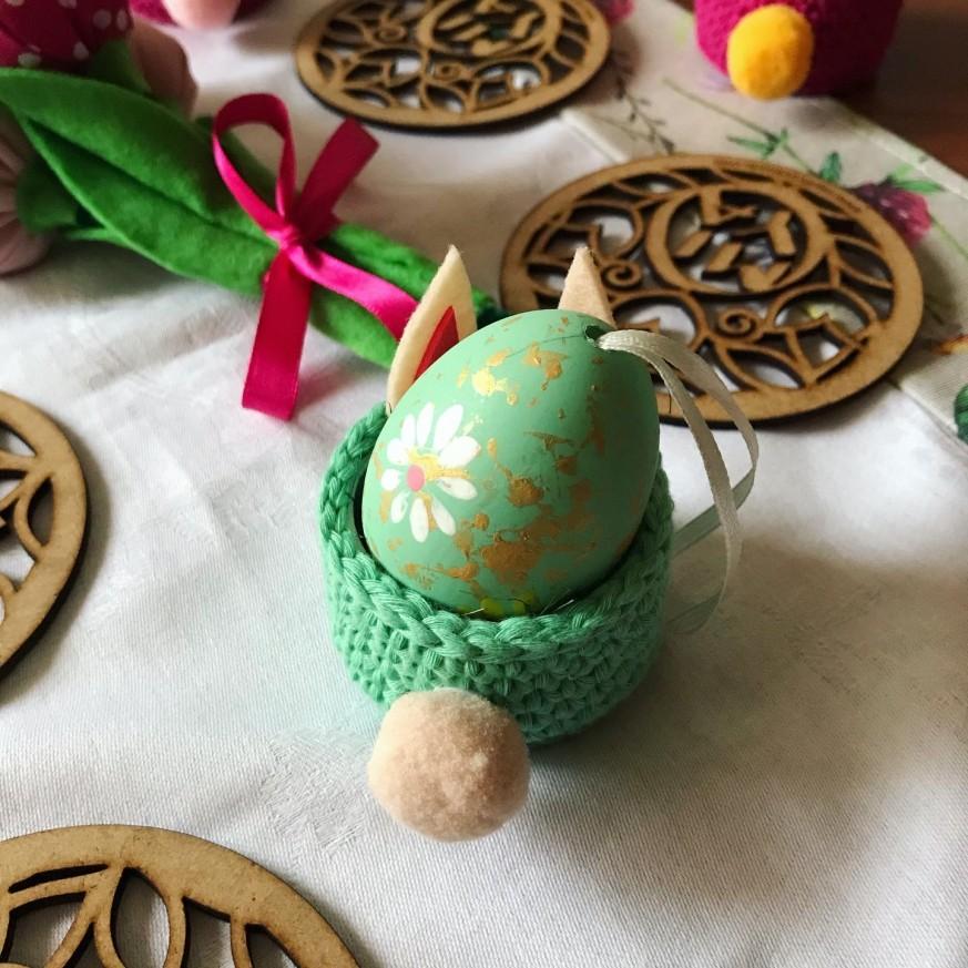 Плетена поставка за яйце Зайче